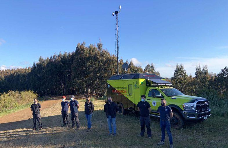 equipo satelital combatir incendios