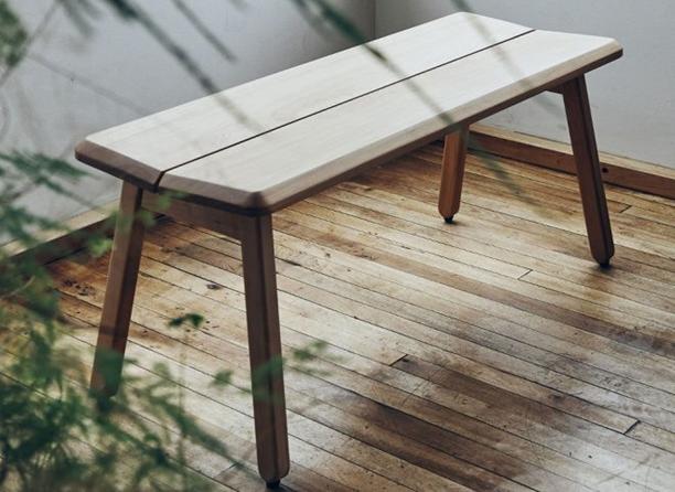 Muebles chilenos en madera nativa