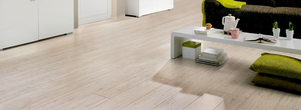 C mo limpiar el piso de madera de casa para que quede impecable todo madera - Como limpiar el suelo de madera ...