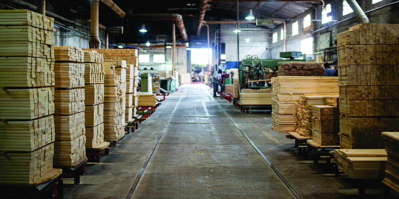 fábricas de muebles trabajar